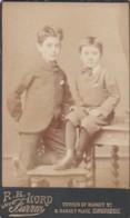 ANTIQUE CDV PHOTO -2 YOUNG BOYS .CAMBRIDGE  STUDIO. - Photographs