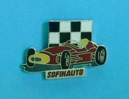 1 PIN'S //   **  FERRARI 500 F2 / DRAPEAU A DAMIER / SOFINAUTO ** - Ferrari