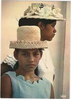 Jeunes Tahitiennes - Tahiti