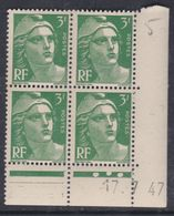 France N° 716A XX Marianne De Gandon  3 F.vert En Bloc De 4 Coin Daté Du 17 . 7 . 47 , 3 Points Blancs Sans Ch., TB - Coins Datés