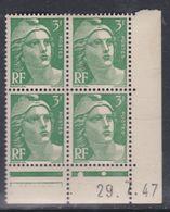 France N° 716A XX Marianne De Gandon  3 F.vert En Bloc De 4 Coin Daté Du 29 . 7 . 47 , 1 Point Blanc Sans Ch., TB - Coins Datés