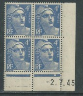 France N° 717 XX Marianne Gandon 4 F. Outremer En Bloc De 4 Coin Daté Du  2 . 7 . 45 , 1  Point Blanc Sans Ch., TB - Coins Datés