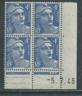 France N° 717 XX Marianne Gandon 4 F. Outremer En Bloc De 4 Coin Daté Du 5 . 7 . 45 , 3  Points Blancs Sans Ch., TB - Coins Datés