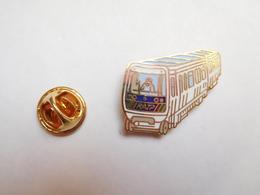 Superbe Pin's En EGF , Transport Bus ,  RATP , METRO , RER - Transportation