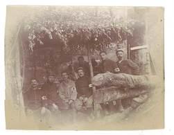 Photo Ancienne Soldats, Aux Ailleux 1915 ( Brassards Croix Rouge, Infirmiers ?)  ( S. 3477 ) - Guerre, Militaire
