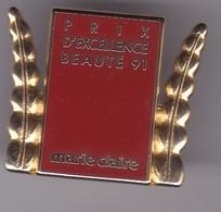 Pin's PARFUM  MARIE CLAIRE FAIT EN 25 EXEMPLAIRES PAR  ARTHUS BERTRAND - Perfume