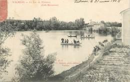 """CPA FRANCE 84 """" Valréas, Le Lac De Plaisance"""" - Valreas"""
