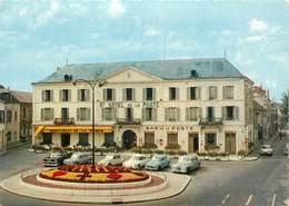 """CPSM FRANCE 45 """"Montargis, Grand Hotel De La Poste"""" - Montargis"""