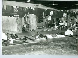 Photo Bénin. Cotonou Réfugiés Togolais Hébergés à La Maison Du Peuple Caritas 1993 - Afrika