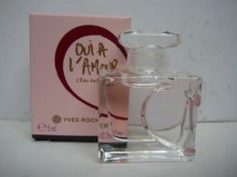"""YVES ROCHER """" OUI A L'AMOUR"""" MINI EDP 5 ML  NEUVE  LIRE ET VOIR!! - Miniatures Womens' Fragrances (in Box)"""