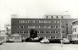 Netherlands, BENNEKOM, Regional Hospital, Car DAF 33 Mini (1960s) RPPC - Ede