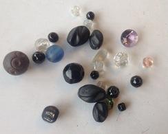 Bijoux. 33. Lot D'anciennes Perles Pour Collier - Necklaces/Chains