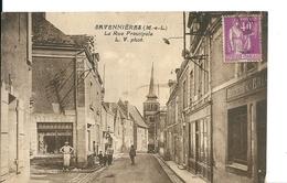Savennières ( Maine Et Loire)  Rue Principale , Magasin De Boulangerie/Pâtisserie Et Son Boulanger  , Animée - Other Municipalities