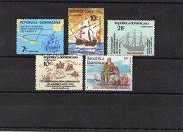 DOMINICAINE / Bateaux Lot De 5 Valeurs Dentelées MNH De 1982 / 83 Départ Vente 1.00 Euros - Bateaux