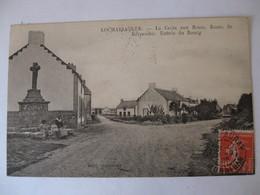 Locmariaquer  La Croix Aux Fleurs - Route De Kerpenhir - Entrée Du Bourg .Rare . - Locmariaquer