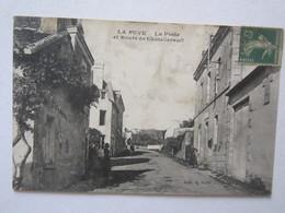 86 Vienne La Puye La Poste Et Route De Châtellerault Dans L'état - Francia
