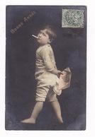 Rare CPA Raphael Tuck & Sons, Série 1007 (6 CP) « Un Mot à La Poste », Garçonnet Fumant Une Cigarette, 1908 - Portraits