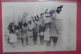 Cp Enfants D'alsace Et L'oncle Hansi - Hansi