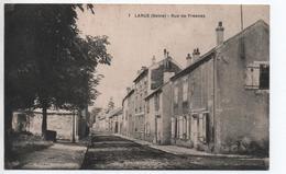 LARUE (94) - RUE DE FRESNES - France