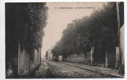 LARUE (94) - LA GRILLE DU CHATEAU - France