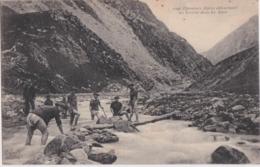 Bs - Cpa Chasseurs Alpins Détournant Un Torrent Dans Les Alpes - Andere Gemeenten