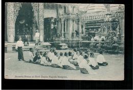 BURMA/ MYANMAR Morning Praver At Shwe Dagon Pagoda Rangoon Ca 1920 OLD POSTCARD 2 Scans - Myanmar (Burma)