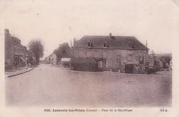 LAVAVEIX LES MINES PLACE DE LA REPUBLIQUE - Francia