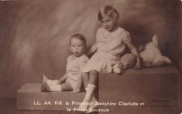 Koninklijke Familie, Famille Royale, La Princesse Josephine Charlotte Et Le Prince Baudouin (pk50702) - Royal Families