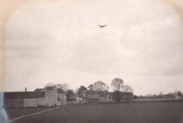 Aviation Monoplan Nieuport? En Vol Campagne Ancienne Photo 1911 - Aviation