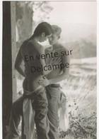 GAY HOMME NU NUDE MEN 169 PHOTOGRAPHE HOWARD ROFFMAN COUPLE TACTILE - Nu Masculin < 1945