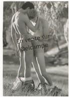 GAY HOMME NU NUDE MEN 169 PHOTOGRAPHE HOWARD ROFFMAN COUPLE TACTILE 3 - Nu Masculin < 1945