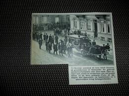 """Origineel Knipsel ( 1831 ) Uit Tijdschrift """" De Stad """" :  Kortrijk  Courtrai  Adolf Decoene  1933 - Vieux Papiers"""