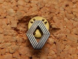Pin's -  SIGLE RENAULT - Renault