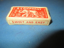 Lames De Rasoir Anciennes/à L'Elephant/Made In France/First Quality/Sweet And Easy/( 6 Lames)/Vers1920-50   PARF105 - Razor Blades