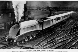 """L.N.E.R. """" SILVER LINK """" Engine At KING'S CROSS STATION - London"""