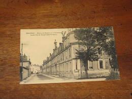 BERGERAC - Maison De Retraite De La Madeleine Façade , Rue Du Temple ( Coté Bordeaux ) - Bergerac