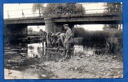 Ardennes   Carte Photo  -  Soldats Allemands Au Bord D Une Rivière  - Grandpré ? - France