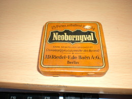 ANTIQUE-medical-pharm-Riedel-E-de-Haen-Berlin-034-Neobornyval-034-25perlen-unop-tin-box - Medical & Dental Equipment