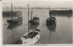Postcard - Harbour Entrance, Padstow - Posted 7th Aug 1952 Very Good - Postcards