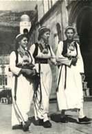 061118A - CPSM  YOUGOSLAVIE NARODNA NOSNJA Iz Okoline Dubrovnika - Costumes Nationaux Folklore - Yougoslavie
