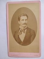 Photographie Ancienne CDV -   Beau Portrait Jeune Homme - Moustache - Photo N. Karren, CAEN     T BE - Photographs