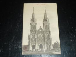 SAIGON - LA CATHEDRALE SORTI DE LA MESSE - Hô-Chi-Minh-Ville - Viêt-Nam Asie (AC) - Viêt-Nam