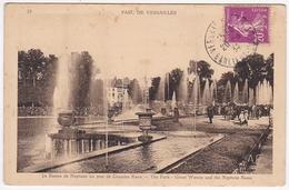 VERSAILLES - Le Bassin De Neptune Un Jour De Grandes Eaux - Versailles (Château)