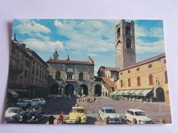 Bergamo - La Veille Place - Le Palais Du Tribunal - Bergamo