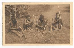 Ruanda Fabricants D'arcs Abatanasi Carte Postale Ancienne - Ruanda-Urundi