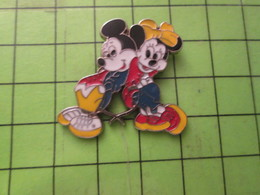1418c Pin's Pins / Beau Et Rare / THEME DISNEY : DESSIN ANIME DISNEY MICKEY ET MINNIE - Disney