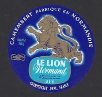 Etiquette De Fromage Camembert  -  Le Lion Normand  -  Fromagerie Rigaud  à  Champsecret   (61) - Fromage