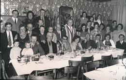 SINT LIEVENS ESSE    -  1973 - FOTO 15 X 9 CM -   KONINGSFEEST IN CAFE DRIE KONINGEN - Herzele