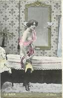 Themes Div-ref Y578- Femmes - Femme - La Toilette - Le Bain  - Carte Bon Etat - - Femmes