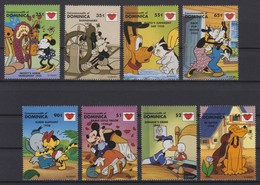2442  Walt Disney   Commonwealth Of Dominica  1997 ( Kissing Drawings Of Walt Disney ) . - Disney